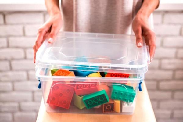ordenar los juguetes de los peques en un trastero